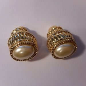 Kenneth Jay Lane Gold Tone Faux Pearl Clip Earring